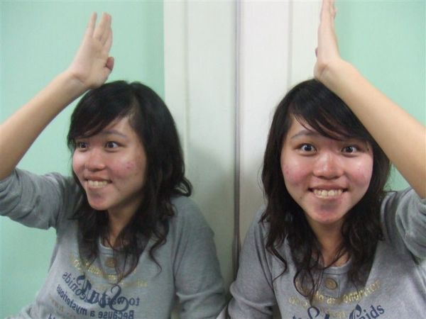 雙胞胎小芬芬 (2).JPG