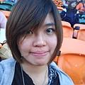 台南棒球場都是橘色椅子。