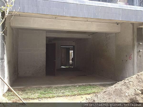 有謙客廳面寬5.6米以上.jpg