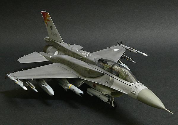 F-16D_02.jpg