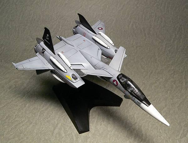 VF-4_003.jpg