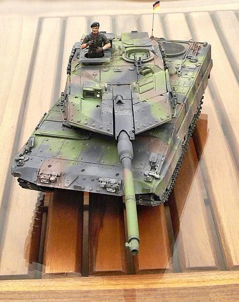 Leopard2A6EX_001.jpg