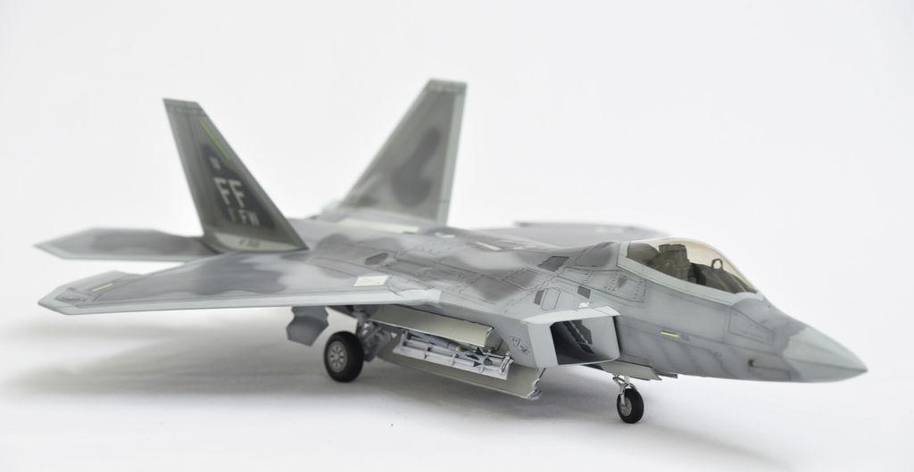 F-22_001.jpg