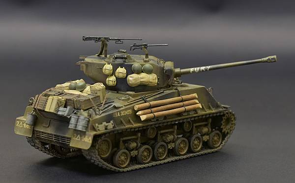 Fury_M4A3_005.jpg