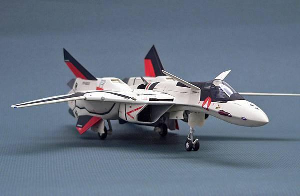 YF-19_002.jpg