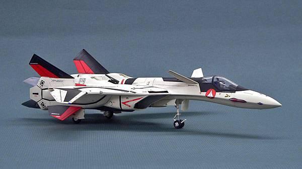 YF-19_003.jpg