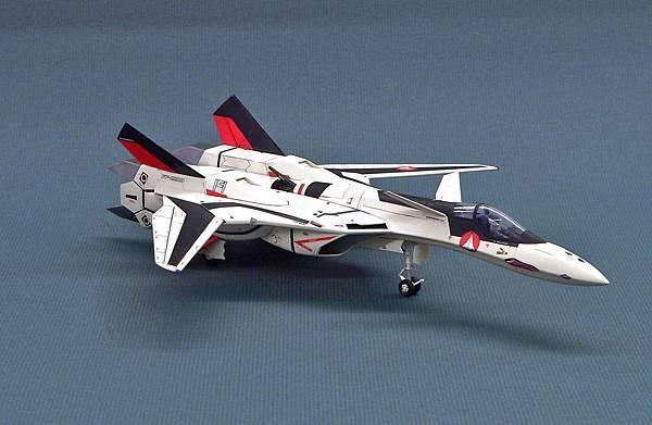 YF-19_001.jpg