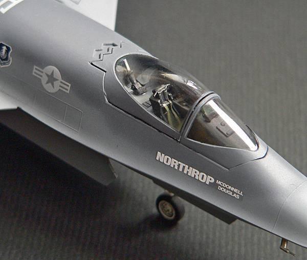 YF-23_009.jpg