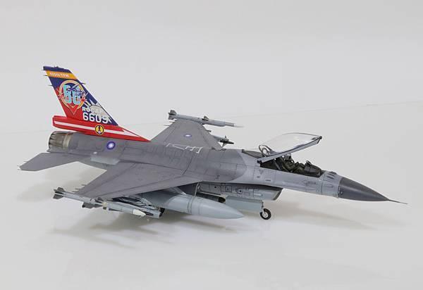 F-16A_814-aniversary_001.jpg