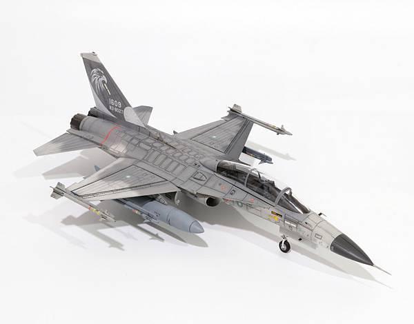 F-CK-1B_005.jpg
