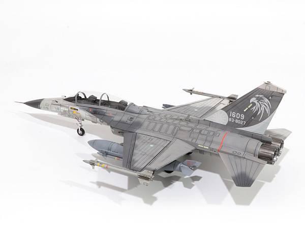 F-CK-1B_004.jpg