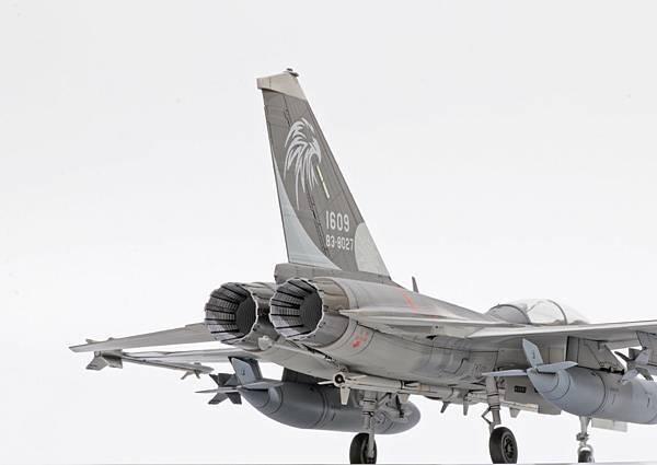 F-CK-1B_007.jpg