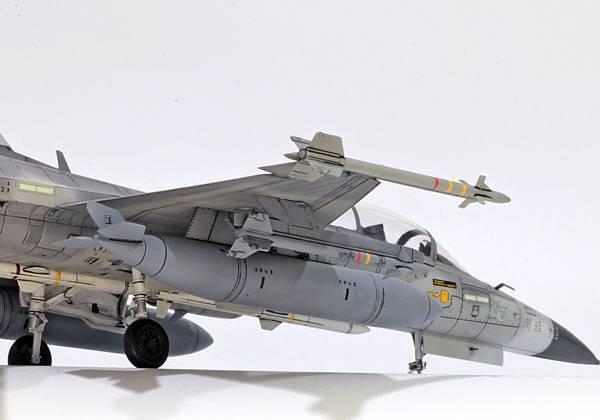 F-CK-1B_008.jpg