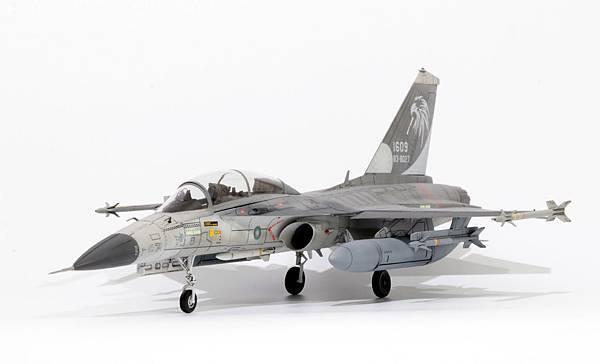 F-CK-1B_011.jpg