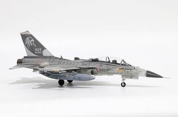 F-CK-1B_001.jpg