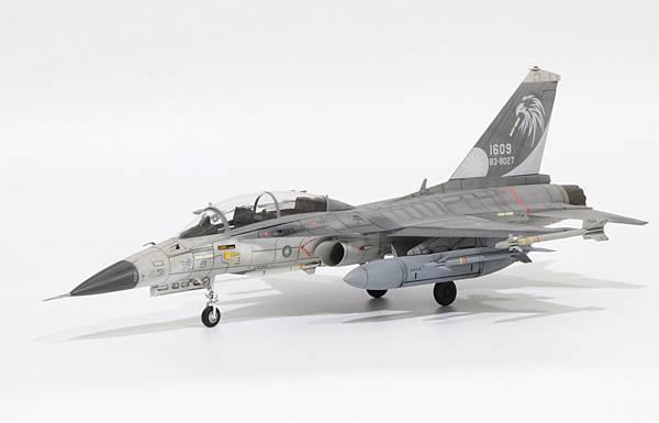 F-CK-1B_002.jpg