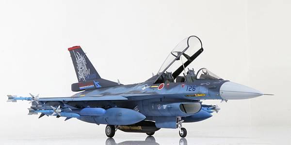 F-2B_000.jpg