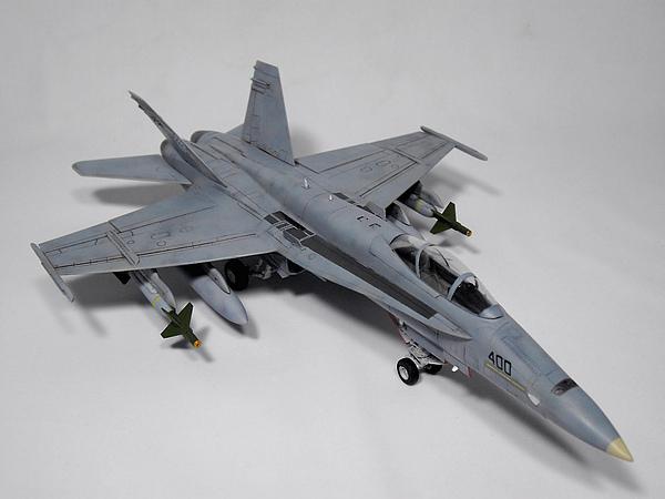 F-18C Revell-012.jpg