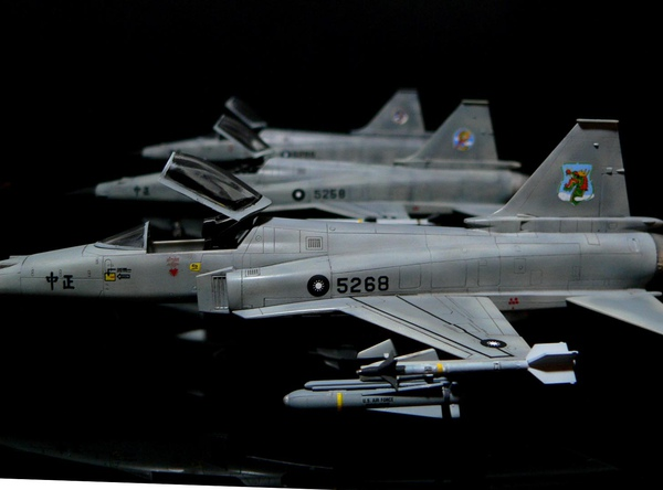 F-20 Hasegawa 1-72 ROCAF -001.jpg