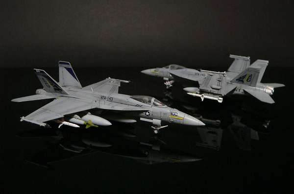 F-18E_003.jpg