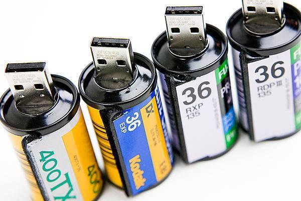 USB-Film-Roll-2-900x600px.jpg