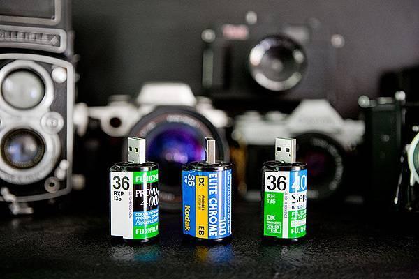 USB-Film-Roll-4-900x600px.jpg
