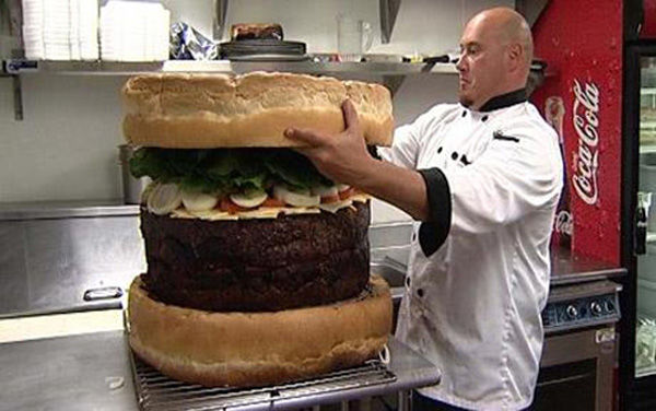 worlds_largest_burger.jpg