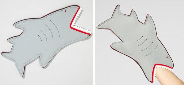 shark-bite-oven-mit.jpg