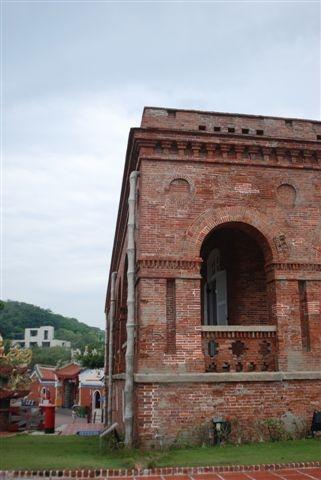 看到這樣的建築,想起了紅毛城