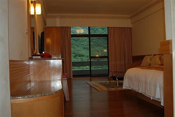東台溫泉飯店--乾淨,但算老舊了..