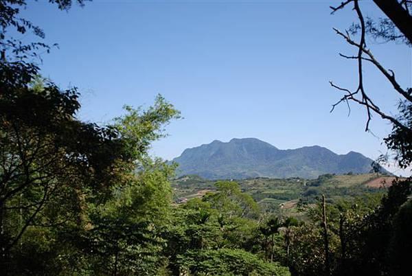 初鹿步道一景--遠眺都蘭山
