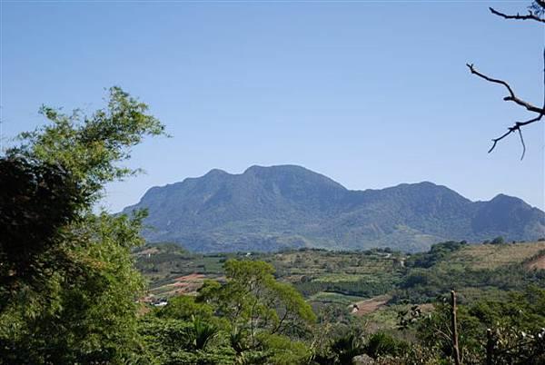遠眺都蘭山