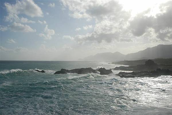 在拱橋上拍的海景--太平洋