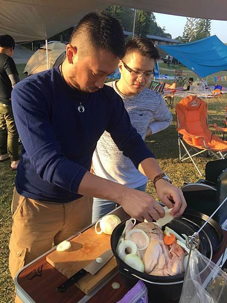 荷蘭鍋 燉雞