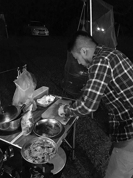 露營料理 烤牛排