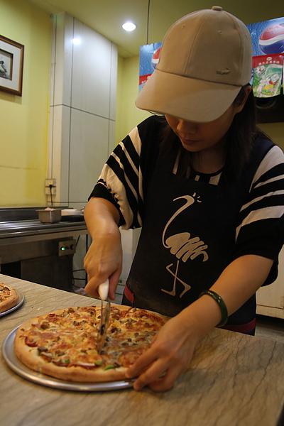 台中好吃披薩店 司諾奇杯大胃王比賽5