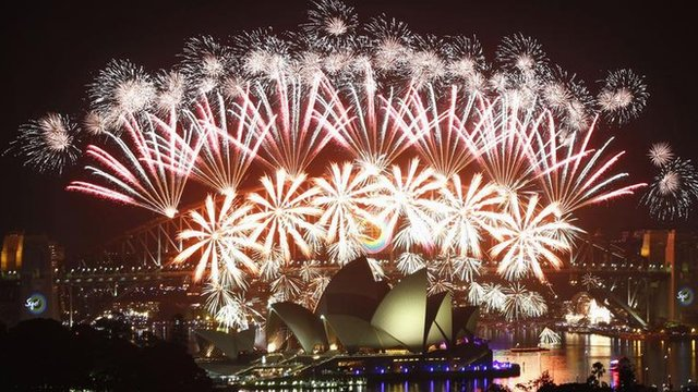 New-year-fireworks-in-Sydney-Australia