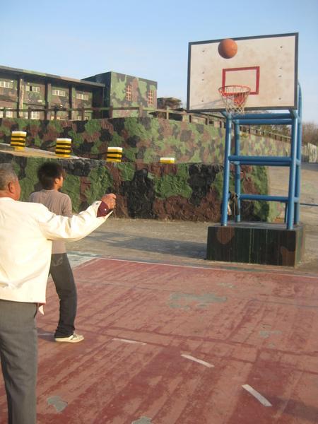 飯後運動-打籃球2