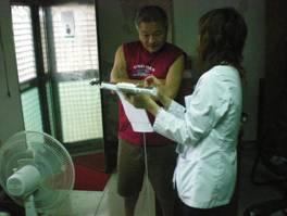 說明體重過重與罹患慢性病比率為正相關