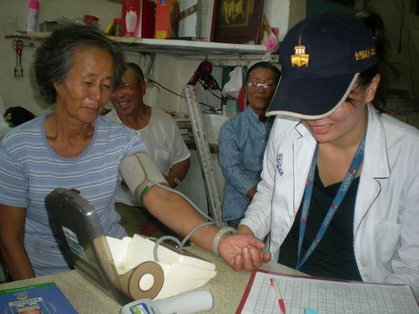 小坵家訪-量血壓3