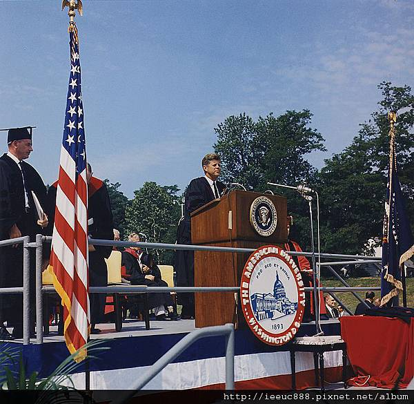 789px-President_Kennedy_American_University_Commencement_Address_June_10,_1963.jpg