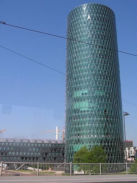 梅茵河旁的某棟大廈
