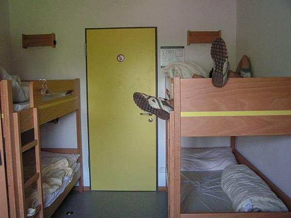 這就是我們住的YH房間內拍