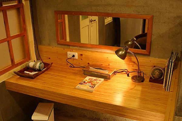 樹靜書桌2