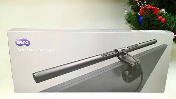 Banq screen bar LED檯燈包裝.JPG