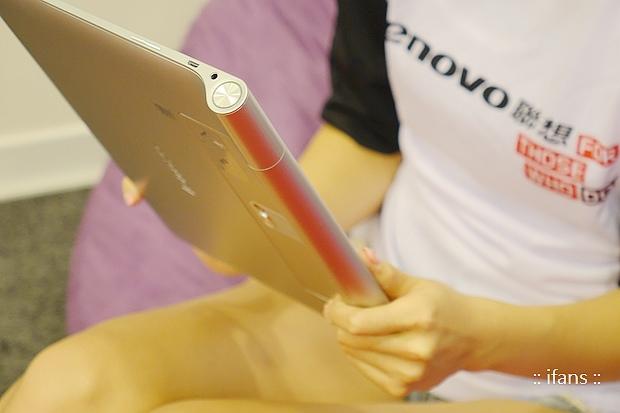 Lenovo Yoga Tablet 2392_nEO_IMG.jpg