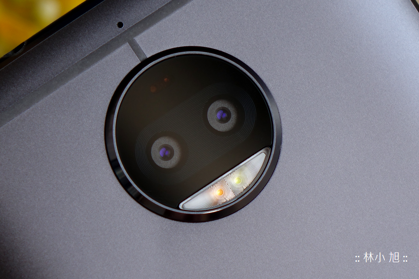 Moto G5s Plus 開箱 (7).png