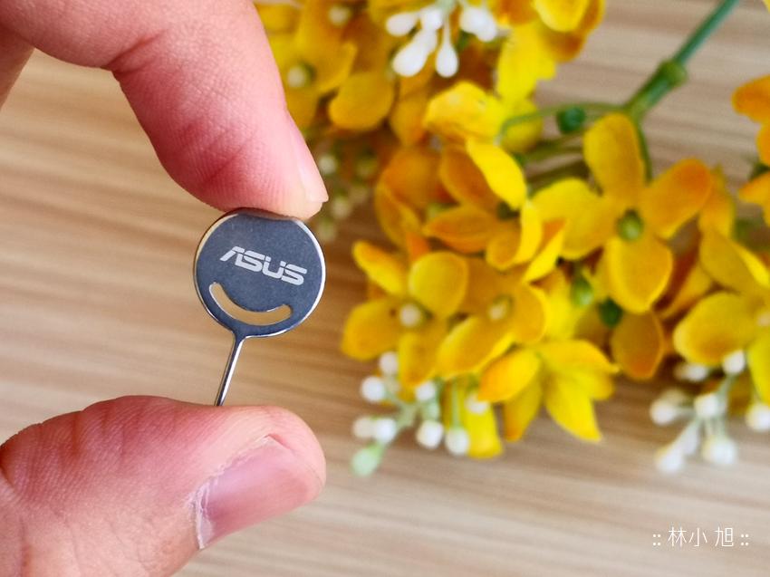 ASUS 華碩ZenFone Max Plus (M1) 開箱 (1).png