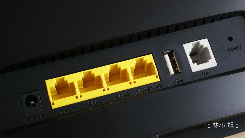 HUAWEI B525s-65a 4G 無線路由分享器開箱 (21).png