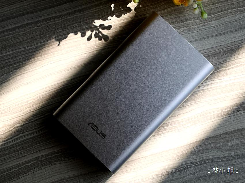 ASUS 華碩 ZenPower 10050C (ABTU012) 快充行動電源開箱推薦 (17).png